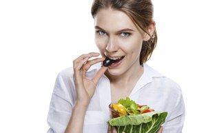 besin alerjisi d vitamin eksiklik risk saglik beslenme