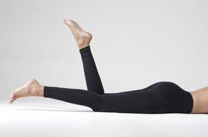 siyah tayt purenature bacak