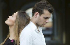 iliski mutsuz kiskanclik kadin erkek cift uzgun