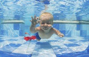 bebek havuz yuzme spor gelisim