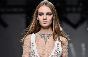 versace haute couture sac makyaj trendleri defile podyum runway