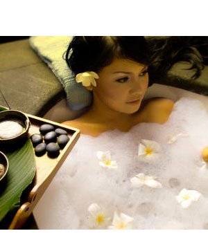 Bitkisel banyolar ne işe yarar? bitki banyo kadin 1