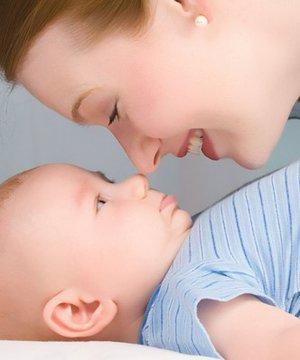 Bebeğinize daha iyi bağlanmak için 8 ipucu anne bebek 1