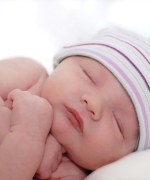 Bebek kıyafeti nasıl seçilir? bebek yenidogan 2