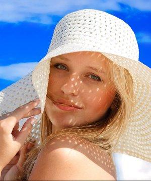 Sıcak havalar beyin kanamasını tetikliyor sicak havuz gunes 1