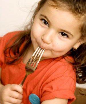 Spor yapan çocuklar nasıl beslenmeli? cocuk kahvalti beslenme 1
