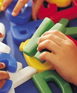 Oyuncakların bebek gelişimindeki önemi oyuncak bebek gelisimi 1