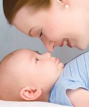 Bebeğinizle aranızda güven bağı kurmanız için 11 öneri anne bebek 1