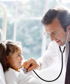 Çocukları boğaz enfeksiyonlarından korumak için ne yapmalı? hasta cocuk 1