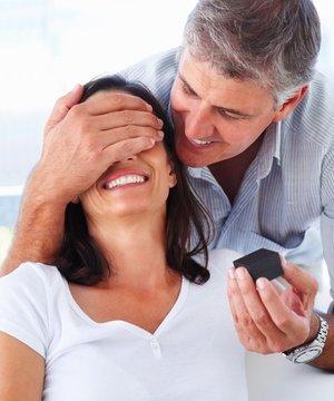 Evlenme teklifi nasıl yapılır? evlenme teklifi r 1