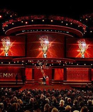 Emmy Ödülleri'ndeki en şık elbiseler emmy 2012 1