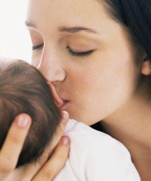 Bebeğinizin güvenini kazanın bebek guven 1 1