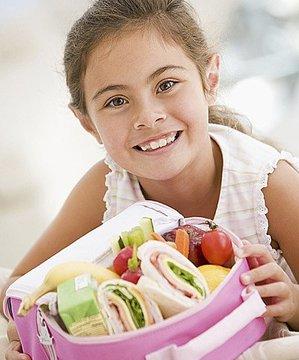 Sağlıklı bir beslenme çantasında neler olmalı? ogrenci beslenme 1