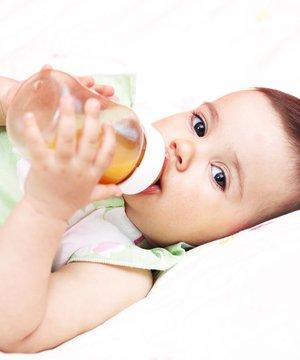Biberon çürükleri diş yapısını bozuyor biberon bebek 1