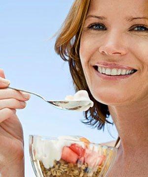 Hızlı ve sağlıklı beslenme hizli beslenme kadin 1