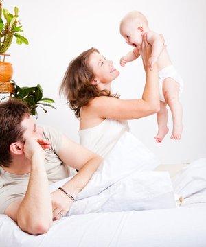 Çocuktan sonra evlilikteki sorunların üstesinden nasıl gelinir? aile anne baba 1