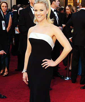 Oscar 2011'de kim, ne giymiş? reese 1