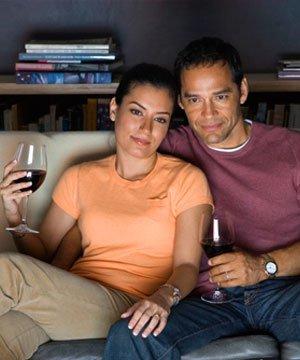 Televizyon bizi nasıl etkiler? evlilik cift televizyon 2