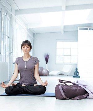 Evde yoga yapmak isteyenlere malzemeler yoga evde spor 1