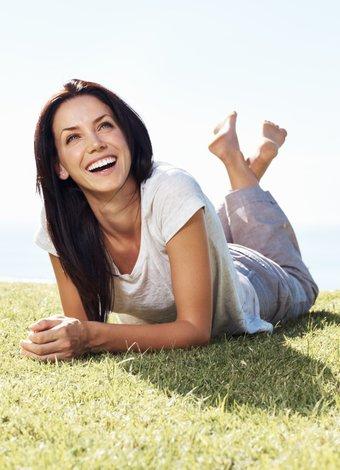 Mutluluğun 6 maddelik formülü mutlu kadin gulme 1