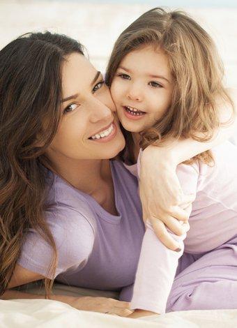 Çocuğunuzu hastalıklardan nasıl korursunuz? anne cocuk kiz 1