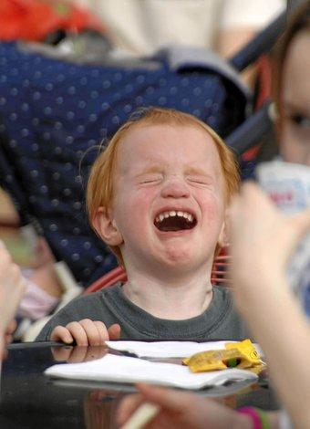 ağlayan çocuk restoran ile ilgili görsel sonucu