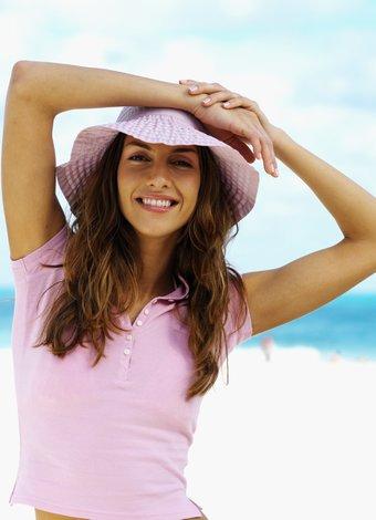 fit form yaz plaj deniz mutlu kadin