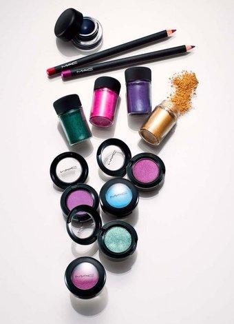 Kozmetik ürünlerin ömrünü nasıl uzatırız? kozmetik urun renkli 1