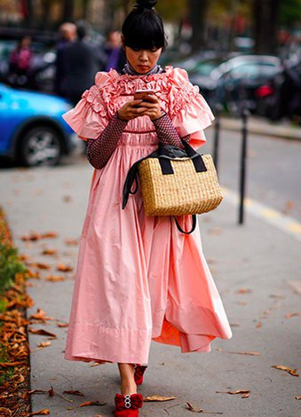 Hasır çantalar ile plajlardan sokak modasına geçiş