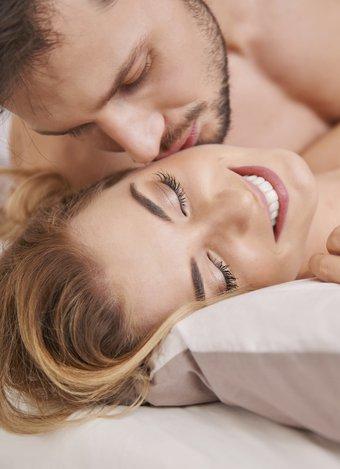 Mükemmel orgazm için 6 seks pozisyonu