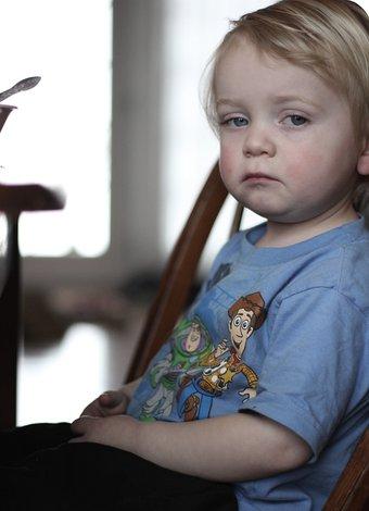 Çocuklarda el ayak ve ağız hastalığı hasta mutsuz cocuk 1