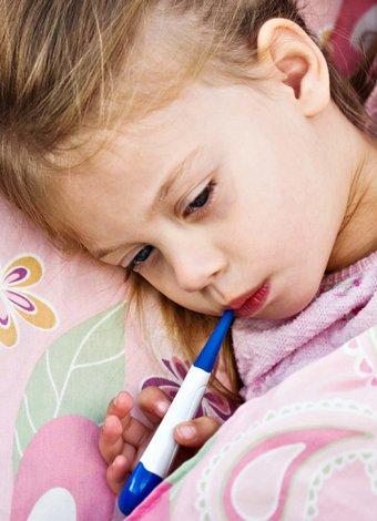 Çocuk ve bebek hastalıklarına doğal çözümler Ateş düşürücü olarak limonlu su