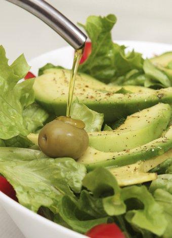Dilara Koçak'ın yeni kitabı: Afiyetle Diyet Tarifleri salata avokado 2
