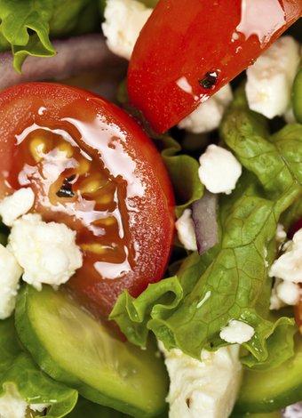 Dilara Koçak'ın yeni kitabı: Afiyetle Diyet Tarifleri salata kahvalti 3
