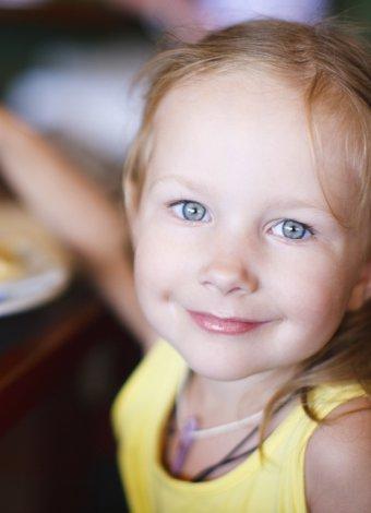 Okul çocuklarını obeziteden korumak için 10 altın kural mutlu cocuk restoran 2