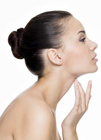 Tiroitlerin düzgün çalışmadığını gösteren işaretler tiroit boyun cilt 1