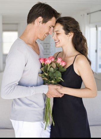 Erkeği kendine bağlamanın yolları romantik romantizm cift 1