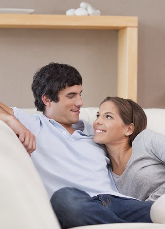 Kıskanç erkekle baş etmenin yolları romantik romantizm cift 1