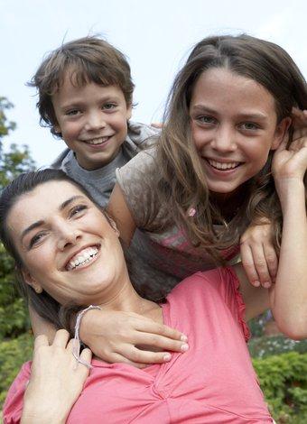 23 Nisan 2014 çocuk etkinlikleri anne cocuklar mutlu 1