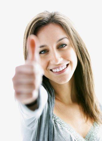 Özgüveninizi artırmanın 7 yolu kariyer mutlu kadin 1