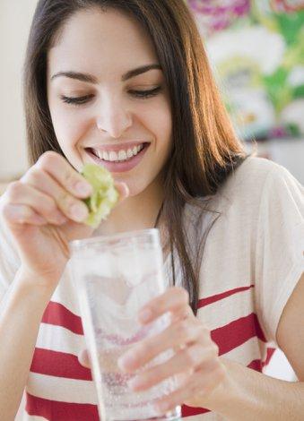 Dr. Mehmet Öz'den enerji yükselten beslenme programı su limon icecek 1