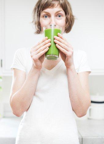 Yazın ferahlatan 5 sağlıklı içecek tarifi saglikli beslenme smoothie 1