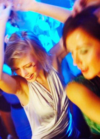 İstanbul'da son zamanların en popüler mekanları dans eglence parti 1