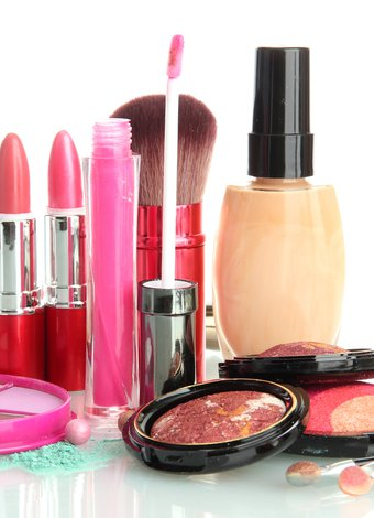 Kozmetikleri nasıl muhafaza etmeliyiz? kozmetik urun renkli 1