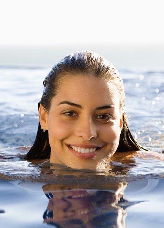 Yüzmenin 10 faydası yuzme deniz havuz 1