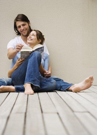 İlişkide yapmamanız gerekenler iliski cift flort 1