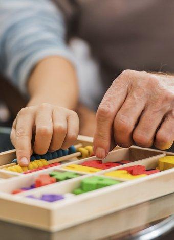 Çocuklar için zeka geliştiren kutu oyunları 1