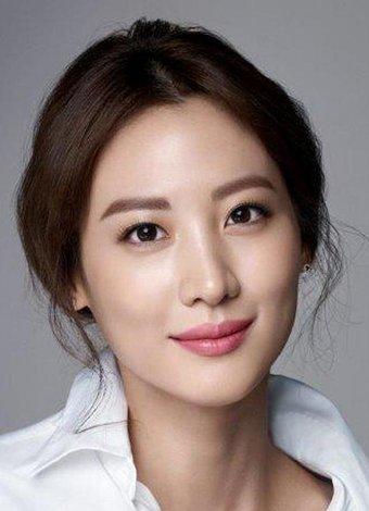 Koreli kadınların cilt güzelliği sırları ve kullandıkları ürünler Kore cilt bakım rutinleri ve ürün seçimleri