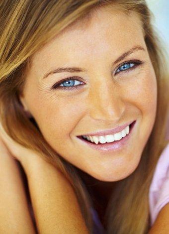 Çapraşık dişlere diş teli yerine şeffaf plak tedavisi: eCligner guzel dis gulumseme 1