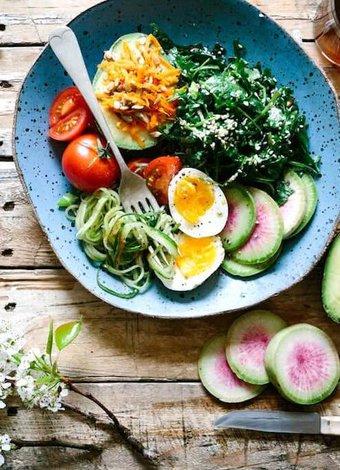 Ketojenik diyette tüketebileceğiniz 7 meyve